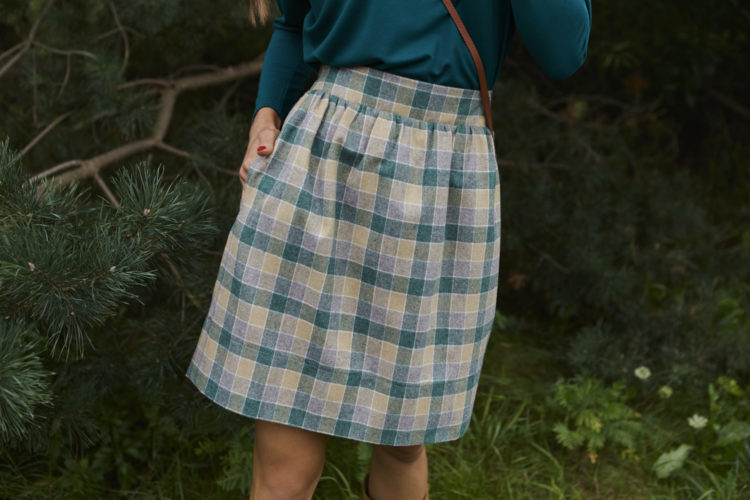 Spódnica wełniana Iris Beżowa